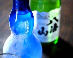 八海山の特別純米原酒を氷温でお楽しみいただけます。