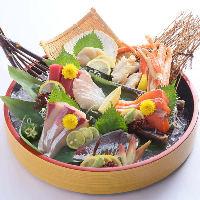 格別の旨み!鮮度抜群魚介をぶ厚く切った刺身は必食の逸品