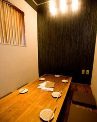 自慢の個室(4名様~8名様)人気のお席です! ご予約早めに!