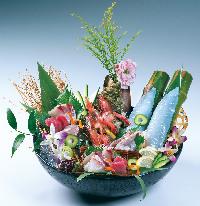 海鮮好きに大好評!名物「但馬香住五種盛り」1,680円~ご用意!