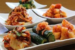 自家製キムチ。他韓国一品多数ご用意しています。