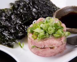 酒の肴にちびちびと食べたい韓国海苔とネギトロ