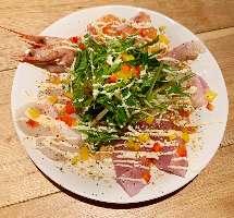鉄板せせり塩焼き650円(税抜)は当店で人気の一押し料理です!