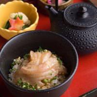 〆の茶漬けは、スープと米が絡まり絶品!クセになります。