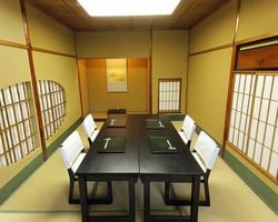 少人数での完全個室お座敷も 多数ご用意しております。
