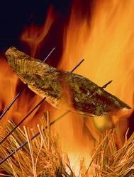 藁焼きにすることで、藁の香がうつり最高の状態に・・・。