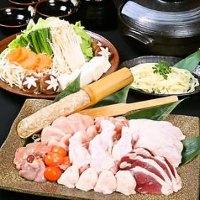 串焼きのほか、鮮魚のお造りや小鍋など、お酒も進む一品料理!