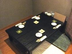 こじんまりと少人数様用の お座敷テーブルもございます。