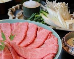 近江牛、養老豚など鍋コースが豊富です。
