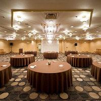 《大宴会》 ホテル内に最大200名様まで集まれる宴会場を完備