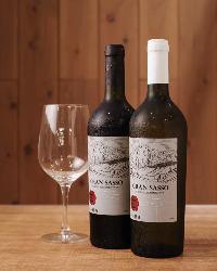 【ワイン】 焼肉と相性抜群な上質ワインを取り揃えております