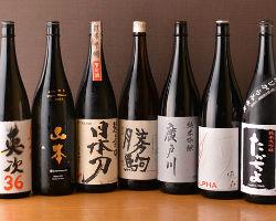 地酒のラインナップが自慢!旬魚や天ぷらとあわせてどうぞ