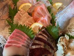 一押し!九州薩摩の地鶏 知覧鶏ももタタキ780円 橙ポン酢味
