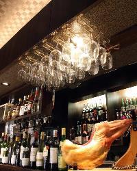 種類豊富なワインと生ハムで乾杯!!