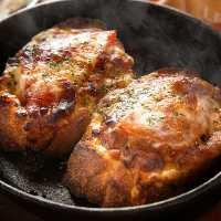リーズナブルにステーキやハンバーグを楽しめます。