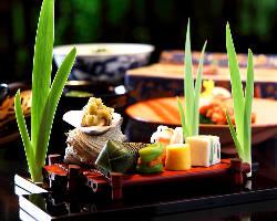 少人数でのテーブル席もございます。