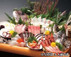 定番ものや旬の魚介を盛り込んだお刺身盛り合わせをどうぞ!