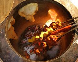 [本格タンドール料理] 炭火で焼き上げるインド肉料理は絶品◎