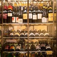 こだわり抜いたワイン。あなた好みのワインを見つけてみては?