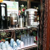 ランチタイムはコーヒーやお茶が飲み放題♪お好きなだけどうぞ!
