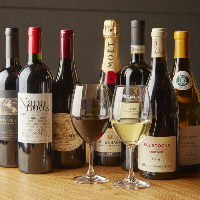 シャンパーニュやバローロ、シャンベルタンなど銘醸ワイン多数