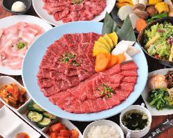 【焼肉と一緒に】 新鮮な旬野菜が10種以上!特製野菜サンパ