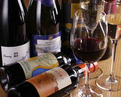 ビオワインをはじめ、 ボトル20種以上、2800円〜