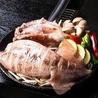 新鮮な海鮮の鉄板焼きをもんじゃやお好み焼きとご一緒に。