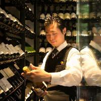 店に常駐するソムリエがあなた好みのワインをご提案いたします