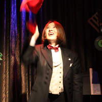 驚きあり、笑いあり、感動ありのステージマジックが大人気