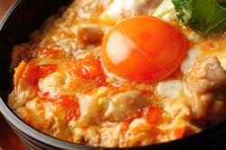 超濃厚卵と甲州地鶏の親子丼!