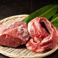 村越氏により大切に育てられたシャモロックを毎日青森より直送