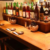 カップルチョイ飲みのお客様には人気のカウンター席。