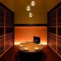 カップルに人気!丸テーブル個室席もご用意しております。