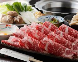 厳選したお肉を店内でスライス。鮮度抜群で美味しいです☆