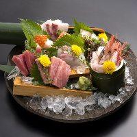 自慢の『鮮魚盛り合わせ』は三崎港直送本鮪など産直鮮魚をご提供