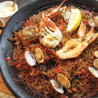 パエリアをはじめ本格的なスペイン料理が味わえる!