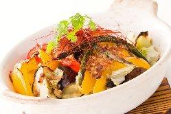 温野菜のアンチョビラタトゥイユ。オーブンでカリッと。