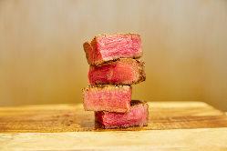 徹底した管理下でプロが厳選、熟成した香り高い熟成和牛