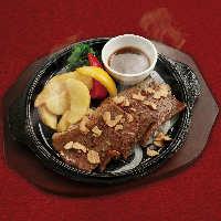 黒毛和牛のミスジステーキ!柔らかい触感と肉の旨み♪