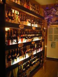 100銘柄以上の日本酒・本格焼酎を取り揃えています。