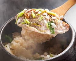 毎日使う分だけ精米したお米を季節ごとの素材で炊き込みご飯に!
