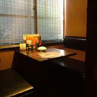 個室は2名様から最大8名様までのテーブル席をご用意しております