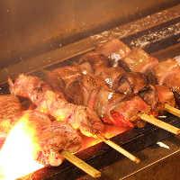 炭火で焼き上げる焼き鳥は最高!