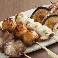 うまやの焼鳥は佐賀県のブランド鶏「みつせ鶏」を使用。