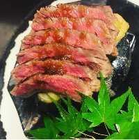 県産黒毛和牛の石焼き ステーキ!