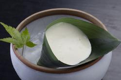 観山荘特製の自家製笹豆腐。国産大豆100%使用。
