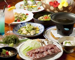 トロピカルカクテルと沖縄料理