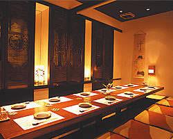 堀ごたつ式和室15名様収容。ご宴会やご家族様でのご利用に重宝。