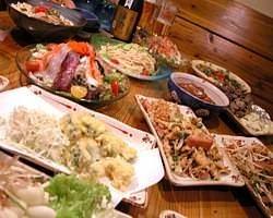 沖縄の家庭料理の数々! お楽しみください。